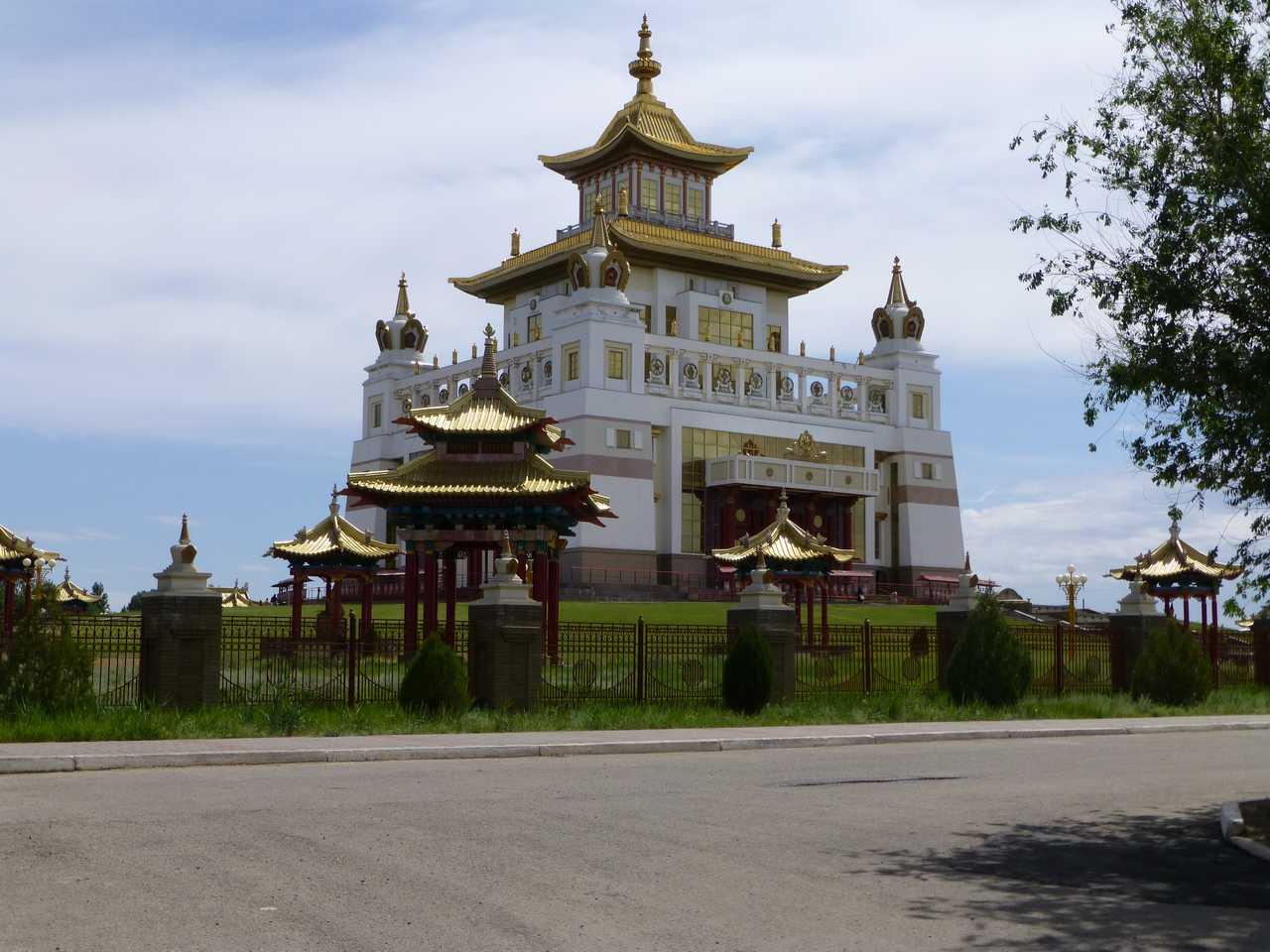 Der goldene Tempel von Elista